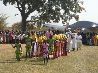 Ein Gottesdienst mit Tanz und Gesang. Foto: privat