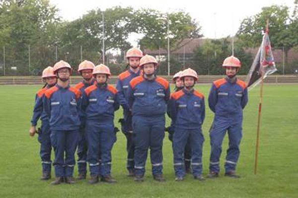 Die Jugendfeuerwehr der Freiwilligen Feuerwehr Schwalbach erhielt die Leistungsspange bei der diesjährgen Abnahme des Abzeichens in Mainz-Kastell. Foto: Jugendfeuerwehr Schwalbach