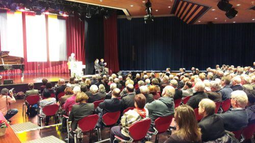 Rund 250 Besucher verfolgten im großen Saal des Bürgerhauses den Vortrag von Luise Schorn-Schütte. Foto: Schlosser